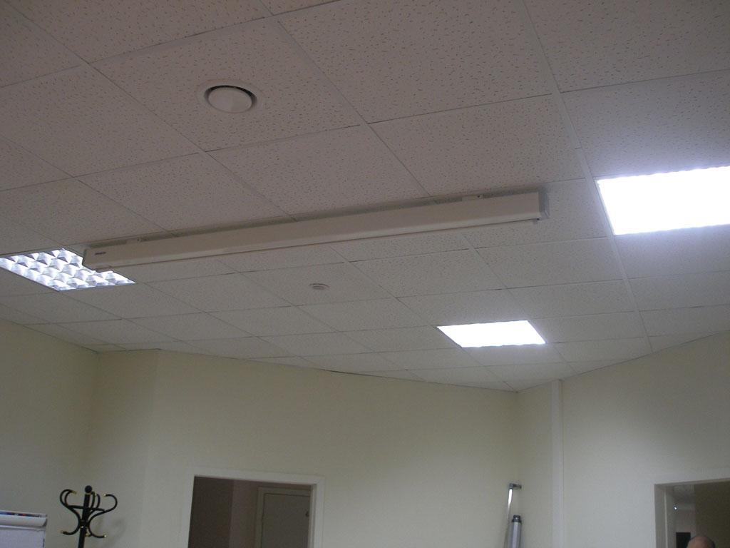 Установка проекционного оборудования в переговорной офиса ГК
